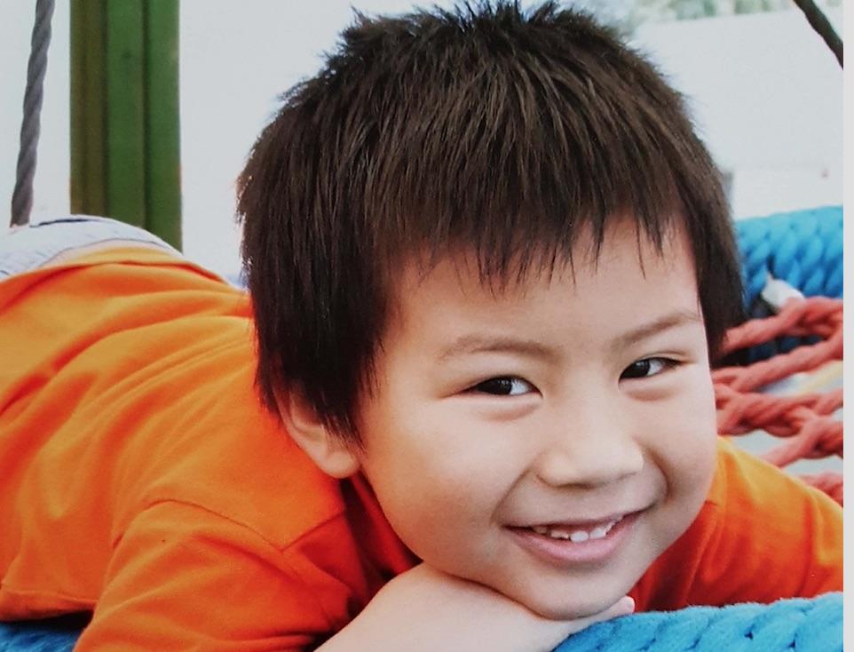 Rayhan-senyum-less.jpg